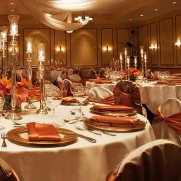 Our lavish ballroom is perfect for large parties and grand banquets.